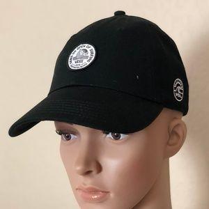 Vans Accessories - Vans 2018 Vuso Lock Up Court Side Hat Black 28d18f49ba5